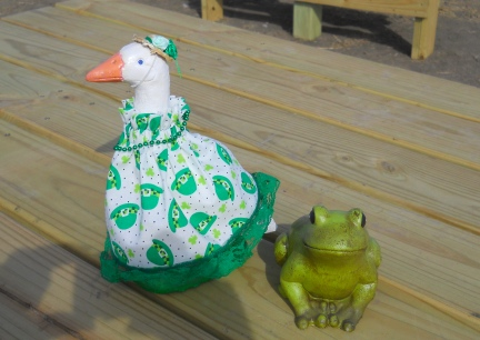 St. Pat's Lawn Goose with Frog